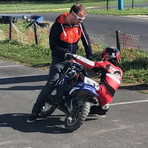 Cours particulier de moto pour enfants