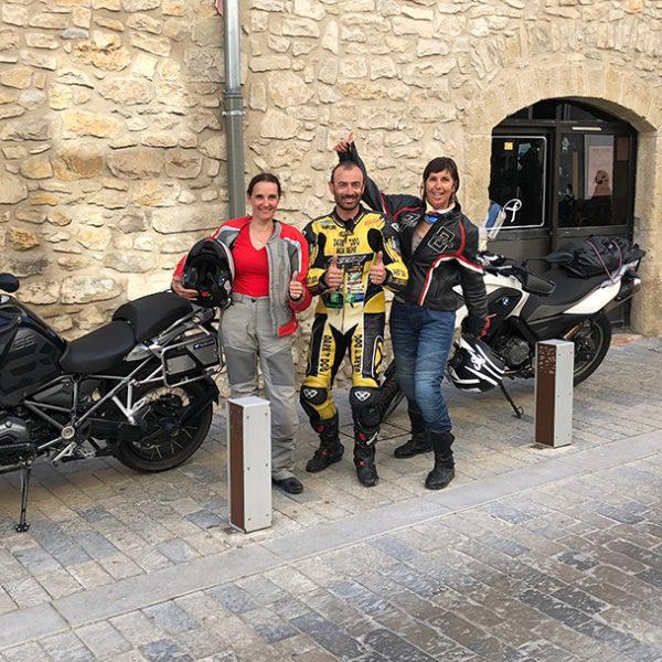 Cours particulier de pilotage moto sur route